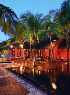 Beachcomber owner of the best hotels, resorts and villas in Mauritius and French Riviera. Hotels And Resorts, Best Hotels, Villas In Mauritius, Wooden Cottage, White Sand Beach, Wonderful Places, Travel Style, Swimming Pools, Photo Galleries