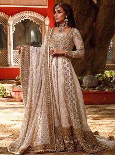 Asian Bridal Dresses, Simple Pakistani Dresses, Pakistani Wedding Outfits, Pakistani Bridal Dresses, Pakistani Wedding Dresses, Bridal Outfits, Bridal Lenghas, Pakistani Bridal Lehenga, Asian Wedding Dress