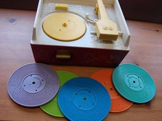 Vintage 60s/70s Fisher Price toy record player music box number 995 +5 records | eBay