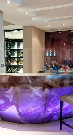 Back lit colour changing bar © Hill House Interiors Top Interior Designers, Best Interior Design, Interior Decorating, Luxury Furniture, Furniture Design, House On A Hill, House Bar, Champagne Bar, Green Rooms