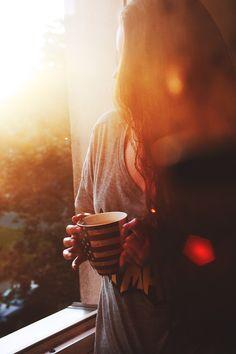 Domingo, el sol, el café, mi pasión. Disfrutando cada segundo...