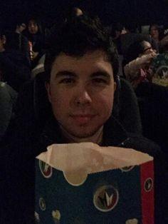 Willy en el cine con sus palomitas