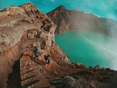 An amazing view of #Ijen #Crater, East Java, #Indonesia  Photo by: IG @choridhasna_