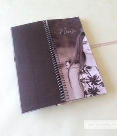 Portada del Libro de Firmas para el cumpleaños de 15 de Nina, ella pidió que fuera en blanco, negro y tonos de grises para combinarlo con la ambientación del salón.   Decinos cuál es la idea para hacer el tuyo en http://www.milibrodefirmas.com/#!contacto/c24vq
