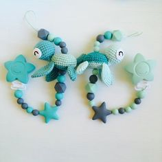 "661 Likes, 30 Comments - Sandra (@topito_de_luna) on Instagram: "". Paci holders with little turtles.  Schnullerketten mit kleinen Schildkröten  Cadenas de chupete…"""