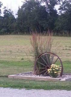 Amish driveway entrance - Home Decoration Driveway Entrance Landscaping, Backyard Landscaping, Driveway Ideas, Ranch Landscaping Ideas, Driveway Fence, Landscaping Melbourne, Landscape Design, Garden Design, Ideas Para El Patio Frontal
