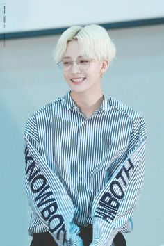 Read ⋆jeonghan⋆ from the story seventeen imagines by wenjenhui (sicheng) with reads. MUSIC VIDEO The boys were at the waiting r. Mingyu, Seungkwan, Hip Hop, K Pop, Vernon Chwe, Warner Music, Choi Hansol, Jeonghan Seventeen, Joshua Hong