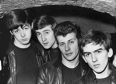 The Beatles pre-Ringo Starr. From L-R: Paul McCartney, John Lennon, Pete Best, George Harrison. Man, I'd seriously hate to be Pete Best. Elvis Costello, Elvis Presley, Ringo Starr, George Harrison, The Beatles, Beatles Photos, Original Beatles, Beatles Band, Beetles