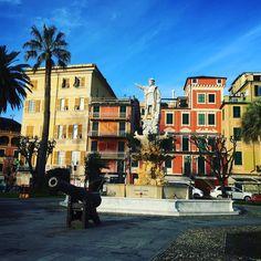 Christoph Kolumbus der Held von #santamargherita bei #Portofino hat die Kanonen im Griff #ig_liguria @ig_liguria #laspezia #rapallo #cinqueterre #genoa #genova