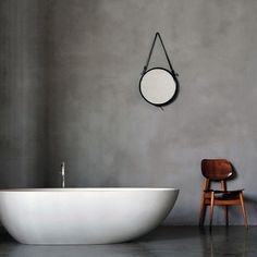 En suite polished plaster walls- this is my vision for the bath setting ( plus chandelier of course) Polished Plaster, Polished Concrete, Cement Walls, Plaster Walls, Concrete Floors, Concrete Bathroom, Bathroom Flooring, Basement Bathroom, Bad Inspiration