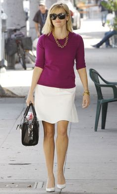 http://www.hawtcelebs.com/wp-content/uploads/2014/02/reese-witherspoon-out-shopping-in-brentwood_1.jpg
