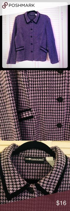 🍀NEW🍀EUC VTG PLUS SAG HARBOR houndstooth blazer Beautiful and super unique purple and black houndstooth print blazer from one of my favorite vintage brands: Sag Harbor. Blazer has 3 buttons, black trim on the collar/sleeves, as well as unique side hardware. (See pics). Excellent used condition in a size 16 (measurements available upon request). Unique vintage plus size blazer! Sag Harbor Jackets & Coats Blazers