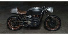 2007 Triumph Thruxton 900 Cafe Racer by Death Machine of London Customs #motorcycles #caferacer #motos   caferacerpasion.com