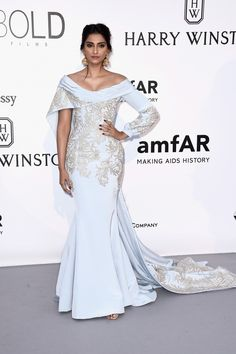Sonam Kapoor in Ralph   Russo  28be858a8