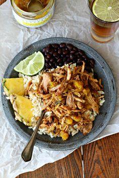 Jamaican Jerk Pineapple Pulled Pork with Rice and Black Beans - Wozz! Pulled Pork Tacos, Pulled Pork Recipes, Pulled Pork And Rice Recipe, Steak Fajitas, Jamaican Jerk Pork Recipe, Slow Cooker Recipes, Crockpot Recipes, Boneless Pork Shoulder, Paleo