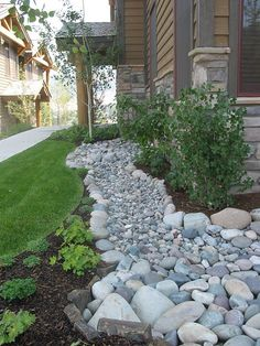 Front Yard Landscaping 50 Super Easy Dry Creek Landscaping Ideas You Can Make! - Images and ideas for backyard landscaping and do it yourself projects to easily create dry creek and river bed designs that dress up your property. River Rock Landscaping, Mulch Landscaping, Landscaping With Rocks, Front Yard Landscaping, Landscaping Ideas, Landscaping Software, Backyard Ideas, Backyard Playground, Landscaping Borders