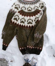 Ravelry: Villmarksgenseren (The Wilderness Sweater) pattern by Linka Karoline Neumann Double Knitting Patterns, Fair Isle Knitting Patterns, Sweater Knitting Patterns, Knitting Designs, Knit Patterns, Knitting Projects, Jaquard Tricot, Icelandic Sweaters, Boys Sweaters