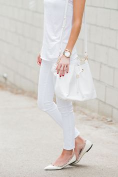 15 Super Trendy All White Summer Outfits | Be Daze Live