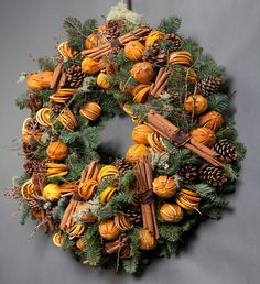 CLASSIC ORANGE AND CINNAMON WREATH