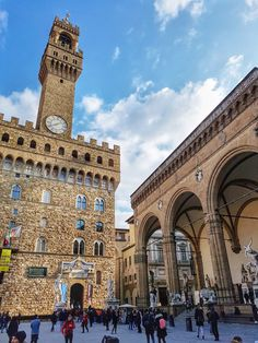 Palazzo, King Of Italy, Places To Travel, Places To Go, Tour Around The World, Florence Tuscany, Church Architecture, European Destination, Vatican City