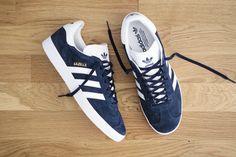 Adidas gazelle bleues marine et blanches