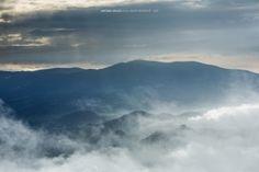 Açores: terra de vulcões e brumas mágicas ---------- Desde o primeiro contacto que tive com os Açores, em 1990, percebi que era aqui que gostava de viver, o que aconteceu em 1993 até 1995 e regresso definitivamente em 2001. Viver aqui é um privilégio, no meio de paisagens mágicas e natureza pura... ---------- São Miguel . Açores . Portugal . 2014  2015 © Antonio Araujo  www.antonioaraujo.pt www.facebook.com/antonioaraujophotography http://instagram.com/antonioaraujo