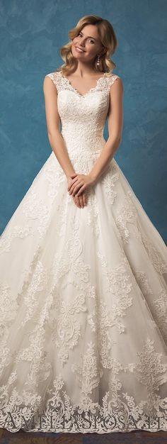 Vestido de noiva princesa com decote em V