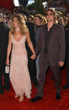 Jennifer Aniston Divorced from actor Brad Pitt, to whom she was married for five years, Aniston is separated from actor Justin Theroux, whom she married in Jennifer Aniston Joven, Jennifer Aniston Dress, Brad Pitt Jennifer Aniston, Jennifer Aniston Photos, Jenifer Aniston, Justin Theroux, Rachel Green, Mtv, Brad Pitt And Jennifer