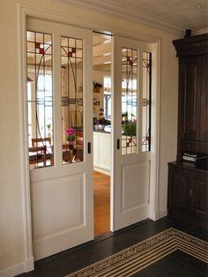 Proof of concept: a simple division between kitchen and livingroom. A more modern approach to traditional 1930s sliding doors. Weekamp Deuren -- Binnendeuren - Maatwerk