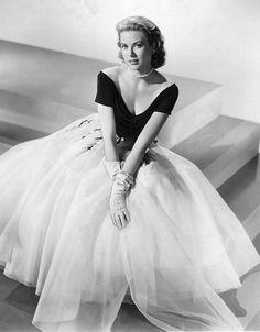 Grace Kelly et ses vêtements qui inspirent toujours autant...