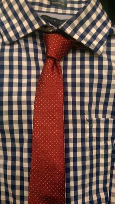 Silk & gingham~ this so reminds me of a Robert Redford combo he wore ~ Up Close and Personal? Suit Up, Suit And Tie, Sharp Dressed Man, Well Dressed Men, Stylish Men, Men Casual, Shirt Tie Combo, Dress For Success, Looks Style