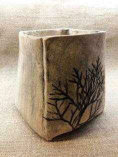 Ceramiczna doniczka.