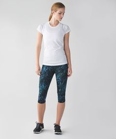 Release Date: 6/2015. Original Price: $98. Materials: Full-On Luxtreme. Color: floral backdrop blue denim multi. Why we made this  These crops were made with a curved hem so we can lunge, run and stretch with ease. Smooth, low-friction fabric helps keep our workouts stress and chafe-free.Key features    sweat-wicking Full-On Luxtreme® fabric provides great support and coverage  multiple pockets for your run essentials  LYCRA® fibre adds great shape retention  imported  Fit   functiondesi...