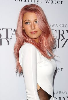 Can't wait for my hair to grow and love the pale pink so would try in a washout color !!