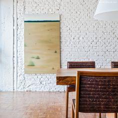 21-decoracao-sala-de-jantar-mesa-madeira-rustica-tijolinho-branco