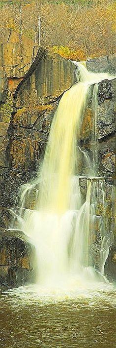✯ Pigeon River Falls, Minnesota