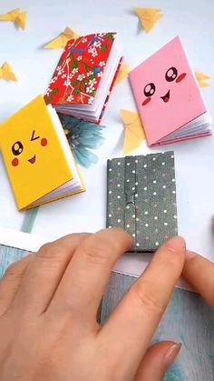 Diy Crafts Hacks, Diy Crafts For Gifts, Diy Arts And Crafts, Crafts For Kids, Diy Projects, Creative Crafts, Diy Gifts Videos, Cool Paper Crafts, Paper Crafts Origami