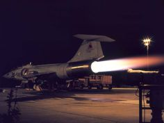 Afbeelding Royal Dutch, Landing Gear, Cold War, Military Aircraft, Air Force, History, Airplanes, War, Hardware