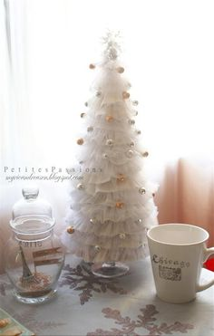 Petites Passions: Dryer Sheets Tree Tutorial this is the actual tutorial! Shabby Chic Christmas, Christmas Minis, Christmas Projects, All Things Christmas, Winter Christmas, Holiday Crafts, Holiday Fun, Christmas Holidays, Christmas Ornaments