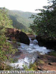 Hillside of de river, Soroa. Pinar del Rio