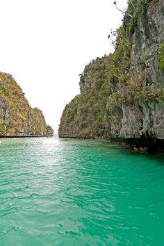 A photo from when I went sailing in Palawan Philippines. I didn't make any edits or color corrections to this photo, it's really this beautiful via @rtwgirl