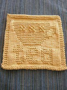 Knitted teacup cloth pattern by Rhonda White