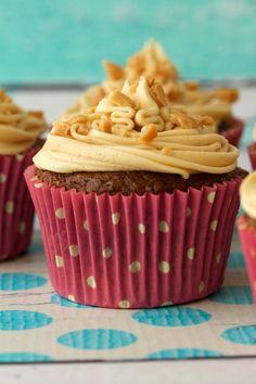 Vegan Banana Cupcakes with Peanut Butter Frosting. Moist and delicious! #vegan #lovingitvegan #bananacupcakes #dessert