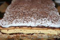 Kinder Bueno Romanian Desserts, Romanian Food, Cake Recipes, Dessert Recipes, Desserts With Biscuits, Sweet Tarts, Bakery, Deserts, Nutella