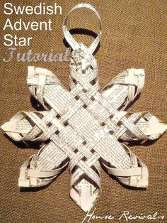 House Revivals: Antique Woven Star Tutorial - variable widths make a real difference in this Finnish Star. Swedish Christmas, Noel Christmas, Scandinavian Christmas, Christmas Paper, Winter Christmas, All Things Christmas, Christmas Ornaments, Christmas Snowflakes, Christmas Projects