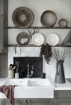 Scandinavian interior, Lovely kitchen with wallpaper Einar grey, Sandberg Wallpaper Well Decor, House Design, Decor, Scandinavian Wallpaper, Kitchens And Bedrooms, Interior, Scandinavian Interior, Kitchen Wallpaper, Eclectic Wallpaper