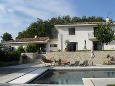 Sublime maison d'architecte proche d'Aix-en-Provence - Barnes http://www.barnes-aixenprovence-littoral.com/vente/maison-darchitecte-proche-daix-en-provence/M9523/M-15988.html #Immobilier #Luxe #Architecture #Provence