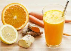 Anti-inflammatory Juice: Turmeric Tonic piece turmeric inches or more); holy basil (fresh or powder - if using fresh, use 2 tbsp. Turmeric Lemonade, Turmeric Juice, Turmeric Smoothie, Juice Smoothie, Smoothie Drinks, Healthy Smoothies, Healthy Drinks, Fresh Turmeric, Ginger Juice