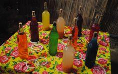 Outra brincadeira típica é a argola na garrafa.