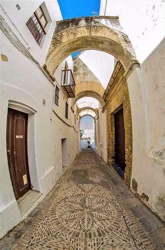 Rincones de Andalucía: calle de Vejer de la Frontera (Cádiz) / Places in Andalucia: a street of Vejer de la Frontera (Cádiz), by @mdelavarga